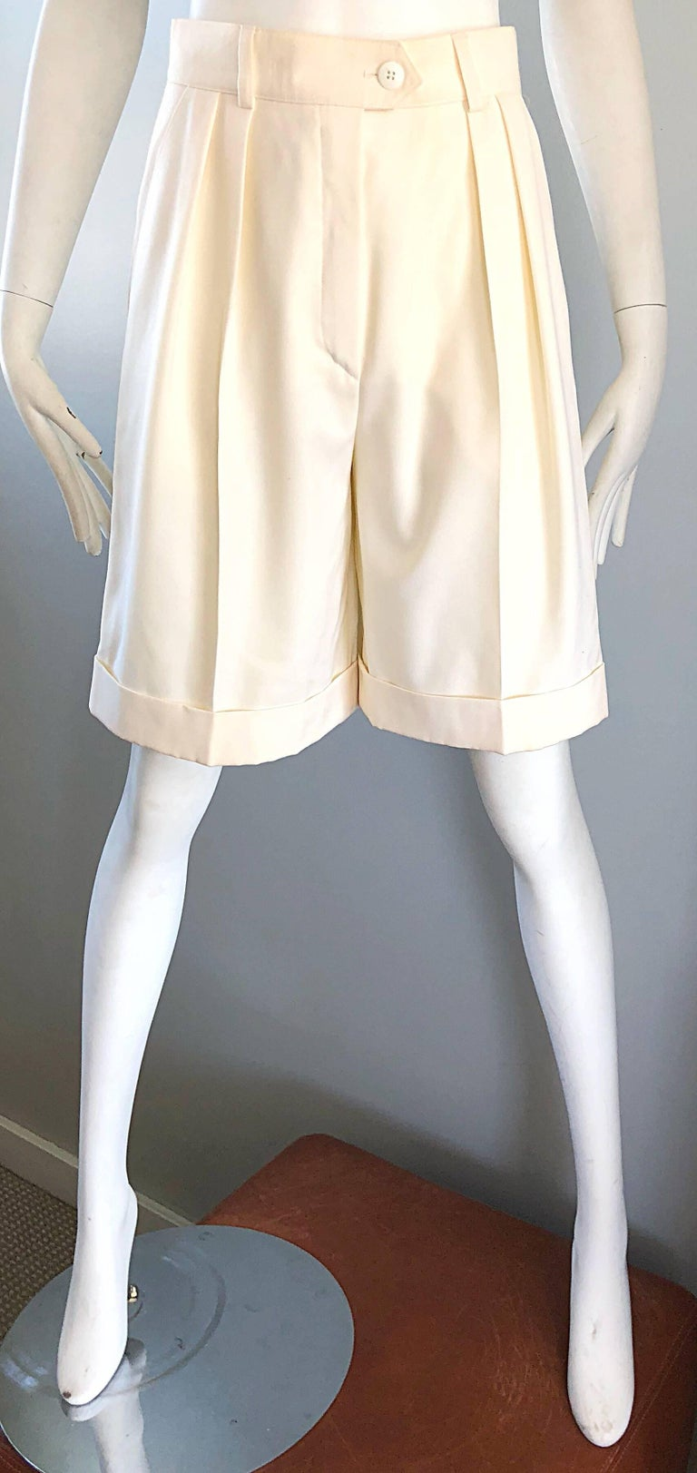 Beige New w/ Tags Vintage Escada 1980s Ivory Wool Vintage Wide Leg Culottes 80s Shorts For Sale