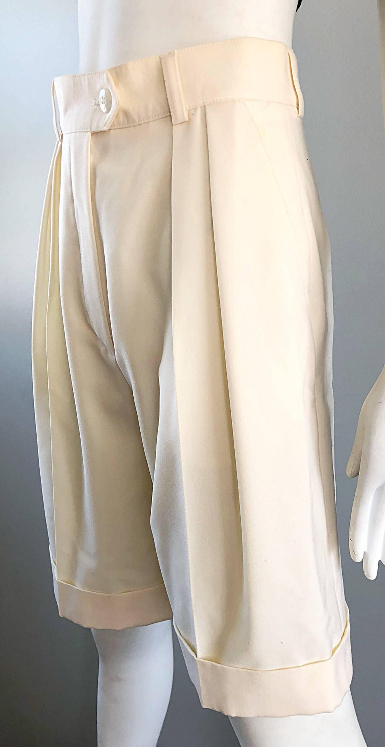 New w/ Tags Vintage Escada 1980s Ivory Wool Vintage Wide Leg Culottes 80s Shorts In New Condition For Sale In Chicago, IL