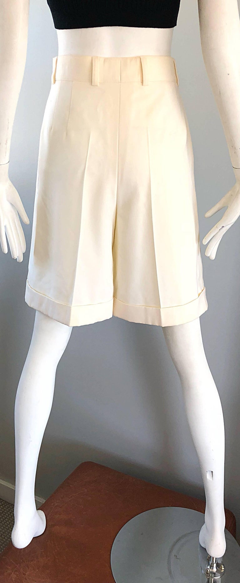 Women's New w/ Tags Vintage Escada 1980s Ivory Wool Vintage Wide Leg Culottes 80s Shorts For Sale