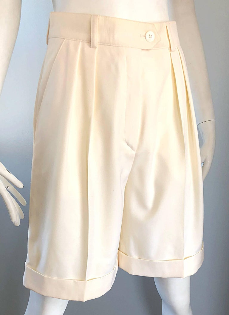 New w/ Tags Vintage Escada 1980s Ivory Wool Vintage Wide Leg Culottes 80s Shorts For Sale 1