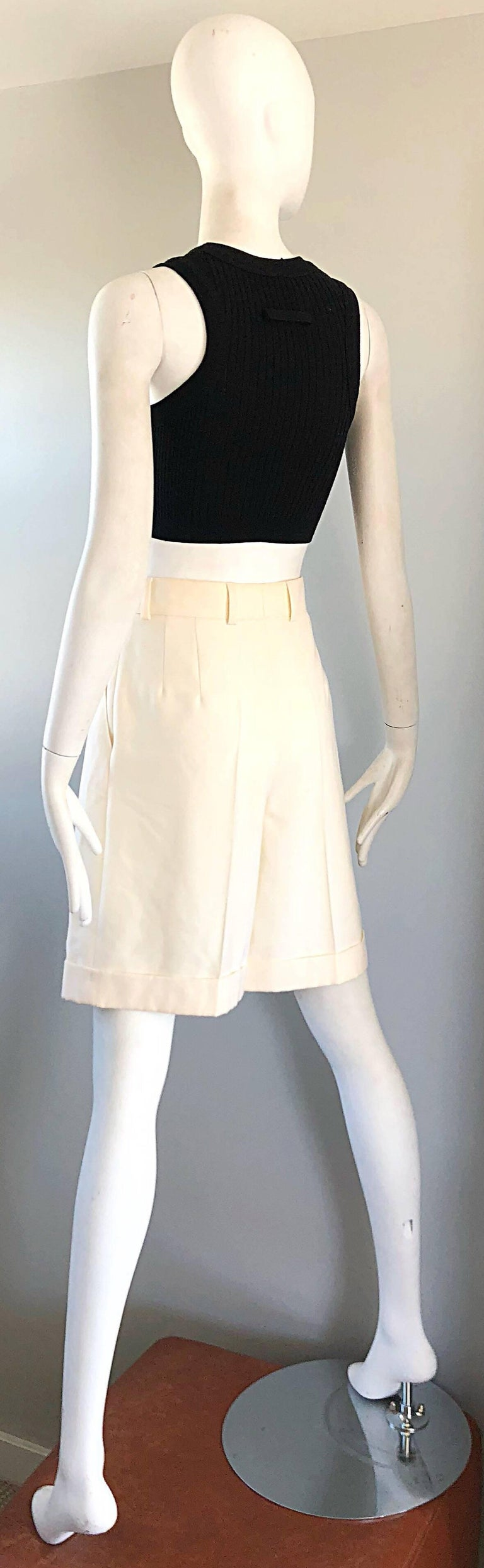 New w/ Tags Vintage Escada 1980s Ivory Wool Vintage Wide Leg Culottes 80s Shorts For Sale 3