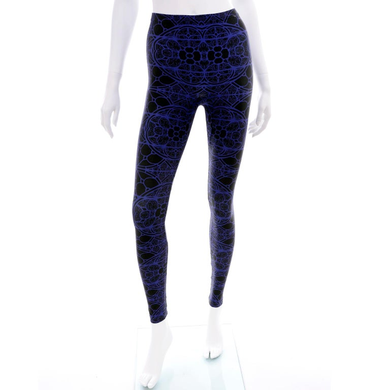 These are fabulous Alexander McQueen black and blue abstract print leggings that are new, with their original tags attached. These leggings include the Alexander McQueen tags and the store tag (Mario's).  These great leggings are labeled a size