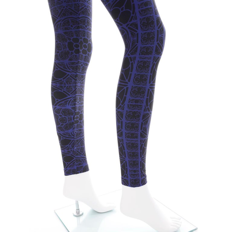 New With Tags Alexander McQueen Blue & Black Abstract Print Leggings For Sale 5