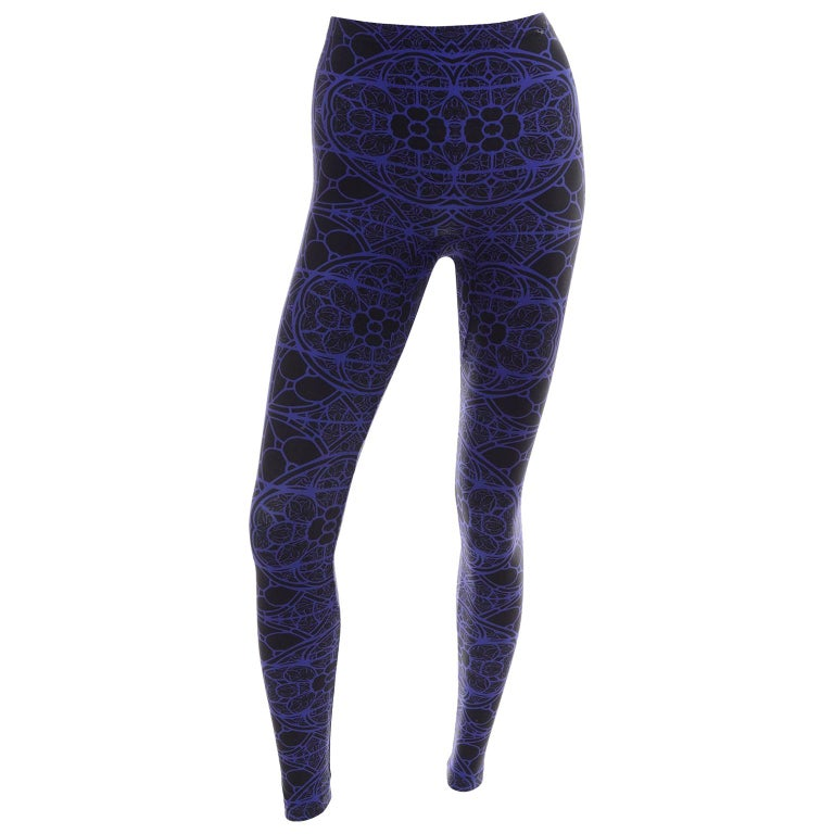 New With Tags Alexander McQueen Blue & Black Abstract Print Leggings For Sale