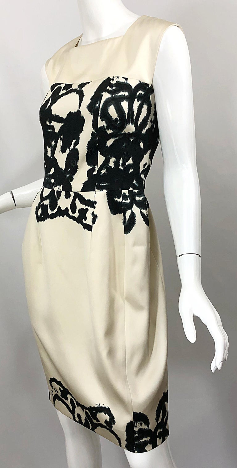 New Yves Saint Laurent Size 42 / 8-10 Ivory and Black Abstract Print Silk Dress For Sale 7
