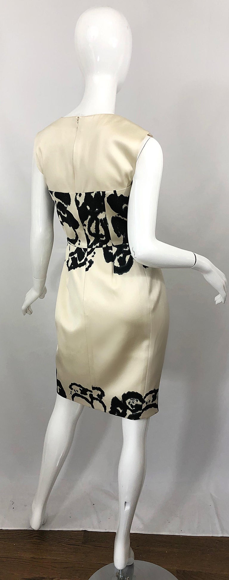 New Yves Saint Laurent Size 42 / 8-10 Ivory and Black Abstract Print Silk Dress For Sale 1