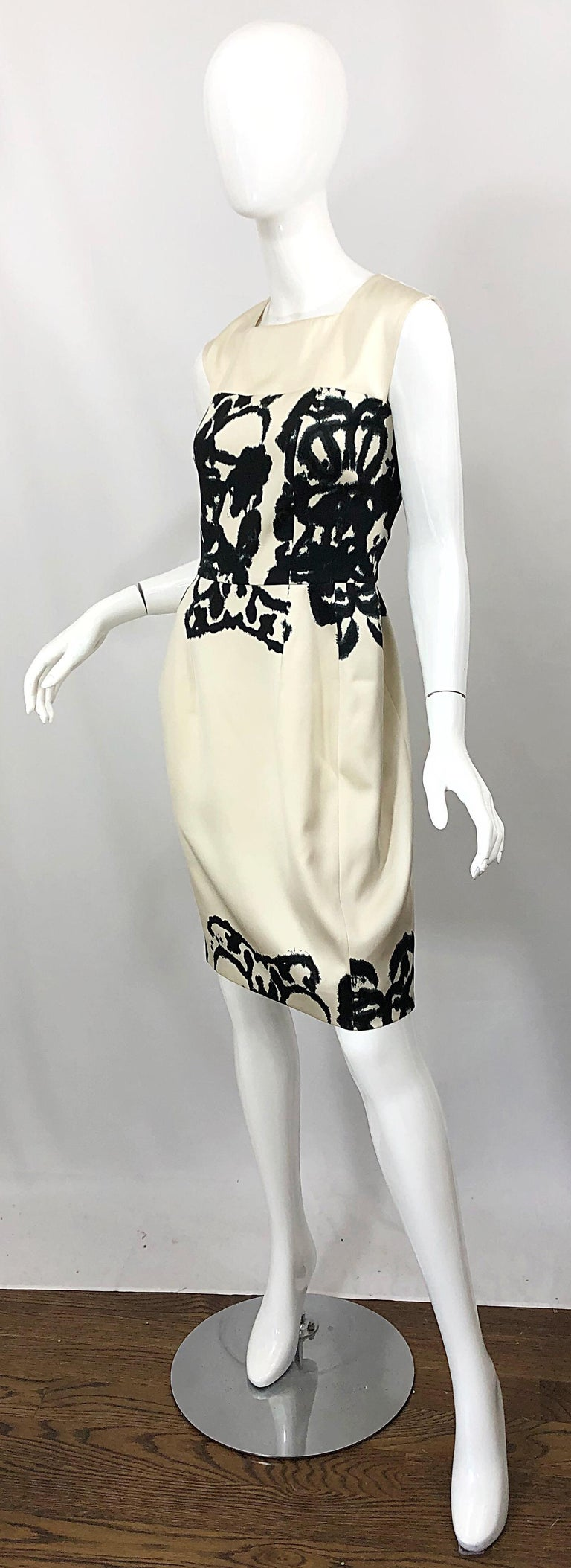 New Yves Saint Laurent Size 42 / 8-10 Ivory and Black Abstract Print Silk Dress For Sale 2