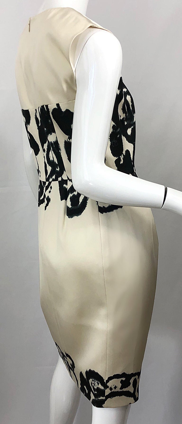 New Yves Saint Laurent Size 42 / 8-10 Ivory and Black Abstract Print Silk Dress For Sale 4