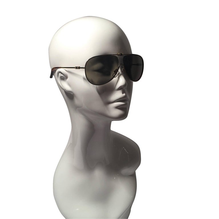 New Yves Saint Laurent YSL Aviator Swarovski Crystal Sunglasses With Case In New Condition For Sale In Leesburg, VA