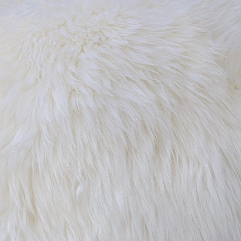 New Zealand Sheepskin Ottoman with Aluminum Legs by Allermuir In Good Condition For Sale In Pasadena, TX