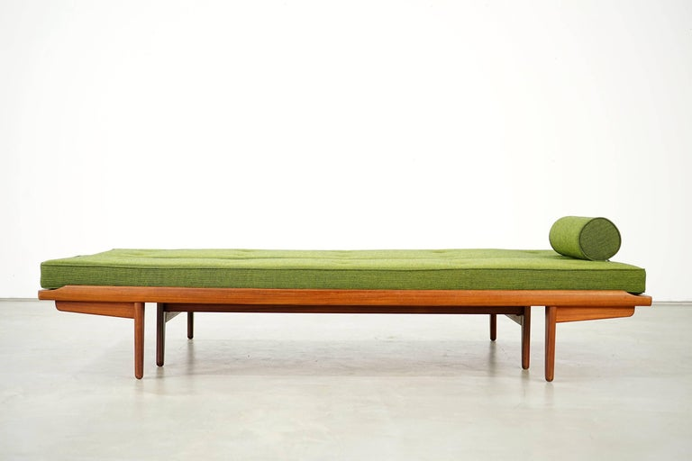 Mid-20th Century Newly Upholstered Daybed by Poul M. Volther for Frem Røjle, 1950s For Sale