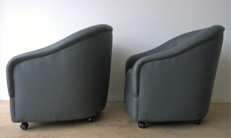 Newly Upholstered in Knoll Whip Gray Barrel Back Club/Armchairs on Casters, Pair For Sale 2