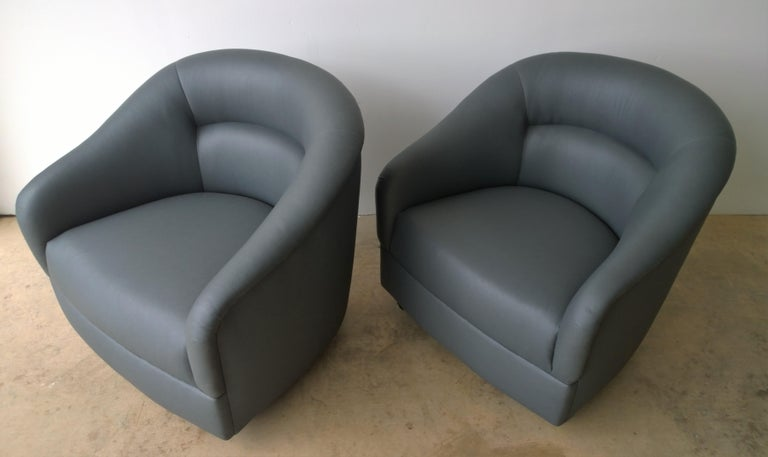 Newly Upholstered in Knoll Whip Gray Barrel Back Club/Armchairs on Casters, Pair For Sale 3