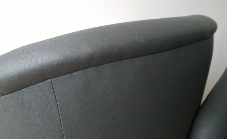 Newly Upholstered in Knoll Whip Gray Barrel Back Club/Armchairs on Casters, Pair For Sale 10