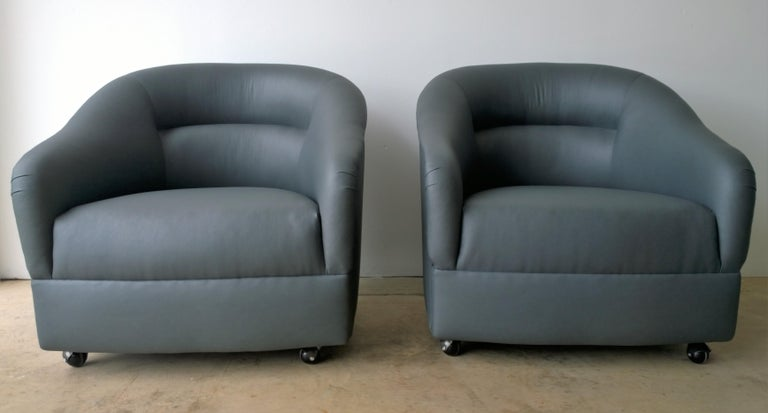 American Newly Upholstered in Knoll Whip Gray Barrel Back Club/Armchairs on Casters, Pair For Sale