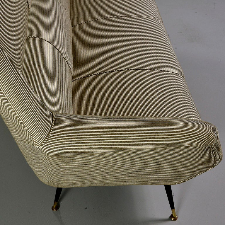 Newly Upholstered Midcentury Settee or Sofa by Gigi Radice for Minotti For Sale 3