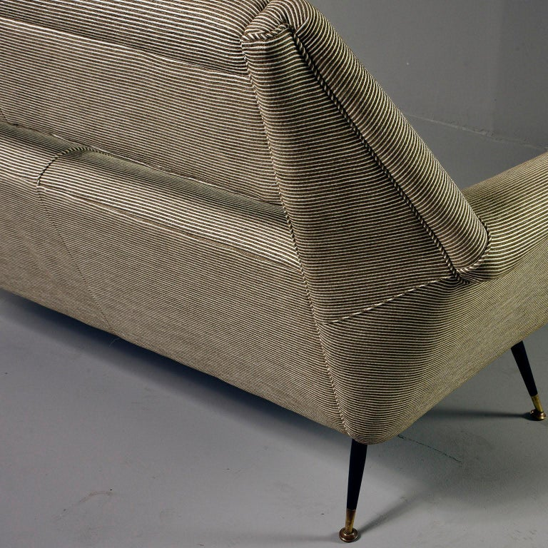 Newly Upholstered Midcentury Settee or Sofa by Gigi Radice for Minotti In Good Condition For Sale In Troy, MI