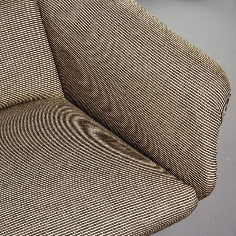 Newly Upholstered Midcentury Settee or Sofa by Gigi Radice for Minotti For Sale 1