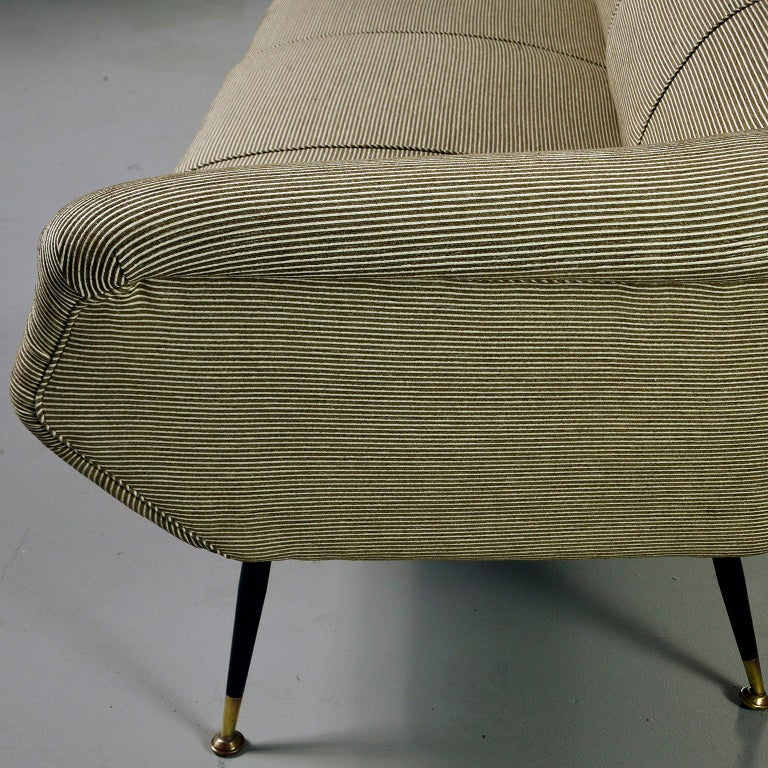 Newly Upholstered Midcentury Settee or Sofa by Gigi Radice for Minotti For Sale 2