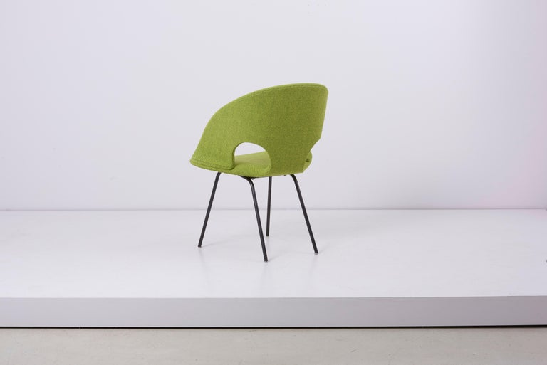 Newly Upholstered Model 350 Lounge Chair by Arno Votteler Walter Knoll In Good Condition For Sale In Berlin, DE