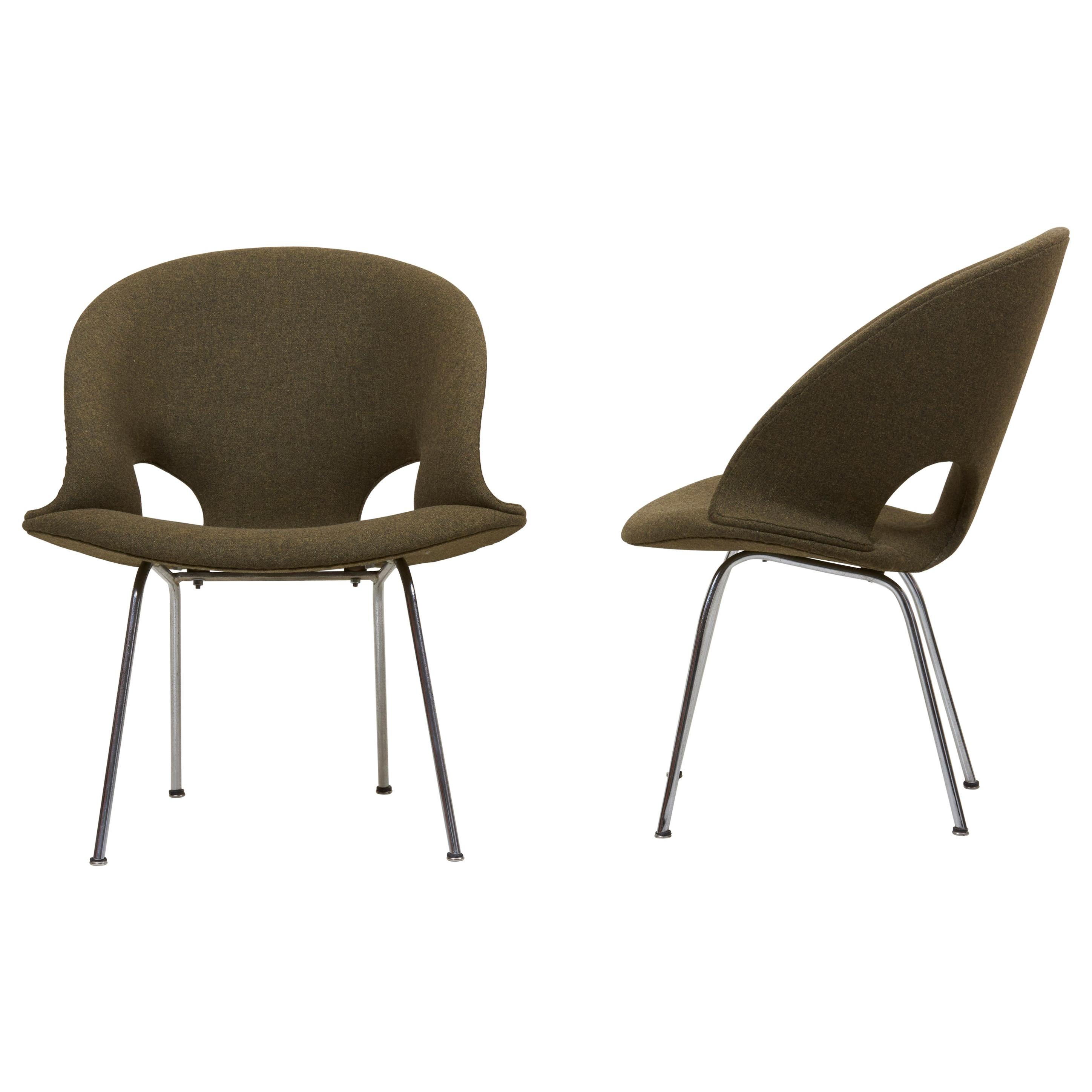 Newly Upholstered Pair of Model 350 Lounge Chairs by Arno Votteler Walter Knoll