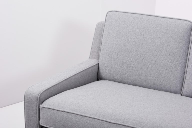 Newly Upholstered Sofa by Harvey Probber, US, 1950s For Sale 4