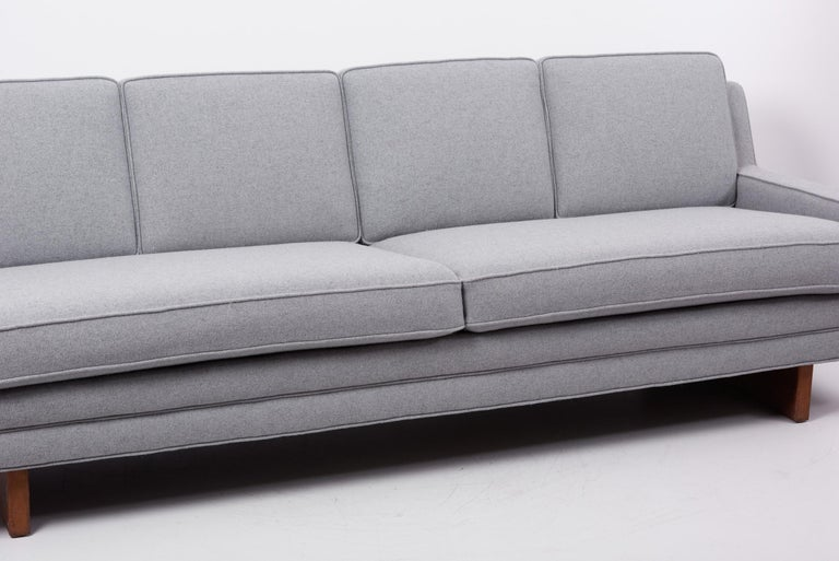 Mid-20th Century Newly Upholstered Sofa by Harvey Probber, US, 1950s For Sale