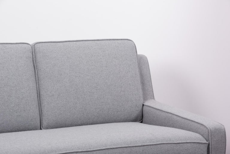 Newly Upholstered Sofa by Harvey Probber, US, 1950s For Sale 1