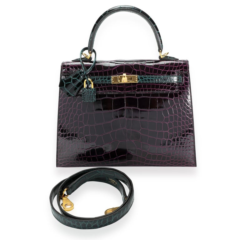SKU: 111668 MSRP:   Condition: Pre-owned (3000) Condition Description:  Handbag Condition: Mint Condition Comments: Mint Condition. Plastic on hardware. No visible signs of wear. Final sale. Please note: this item can not be shipped to all
