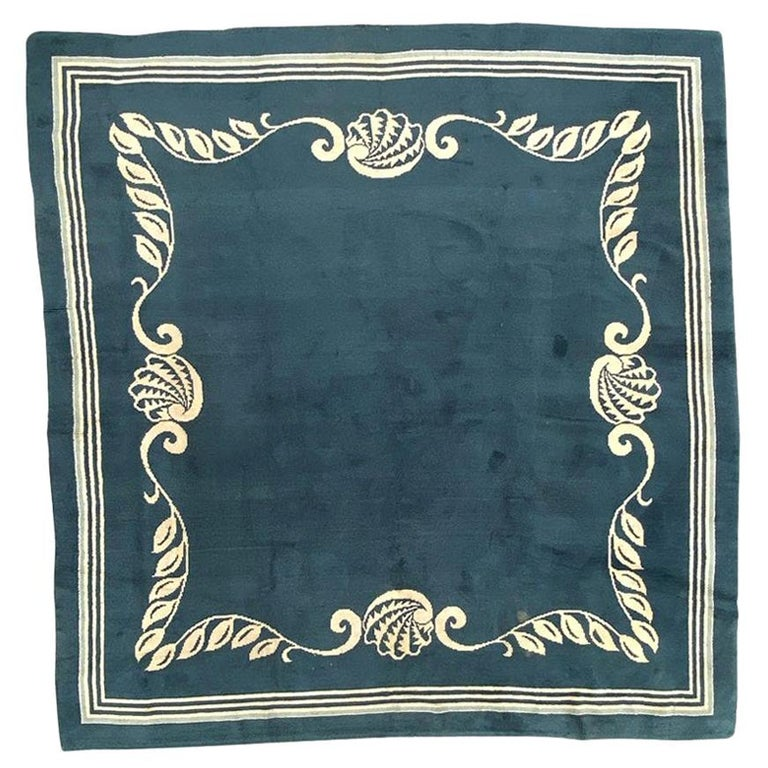 Nice French 1940 Art Deco Square Rug For Sale