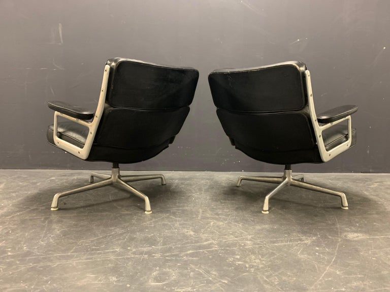 Nice Pair of Charles Eames Lobby Chairs For Sale 3