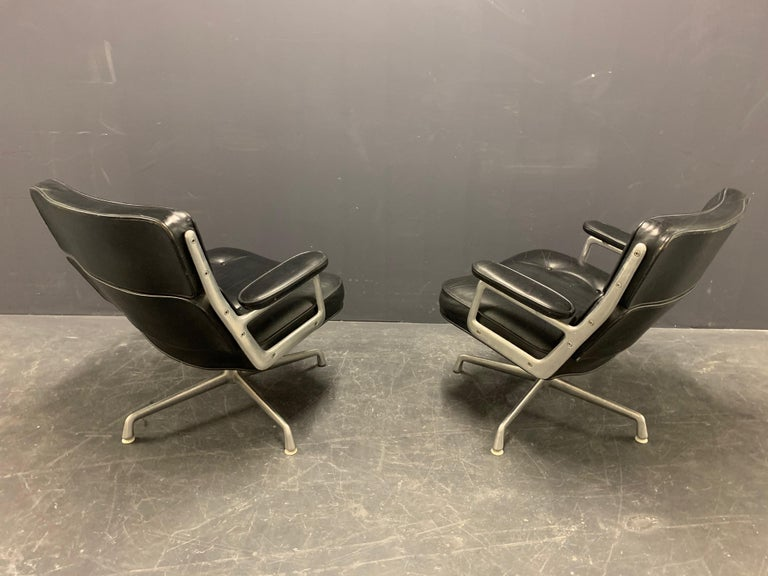 Nice Pair of Charles Eames Lobby Chairs For Sale 4