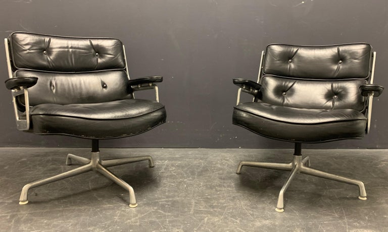 Nice Pair of Charles Eames Lobby Chairs For Sale 6