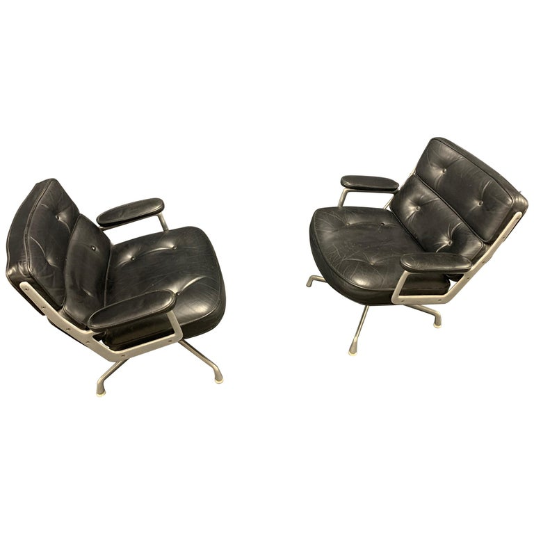 Nice Pair of Charles Eames Lobby Chairs For Sale