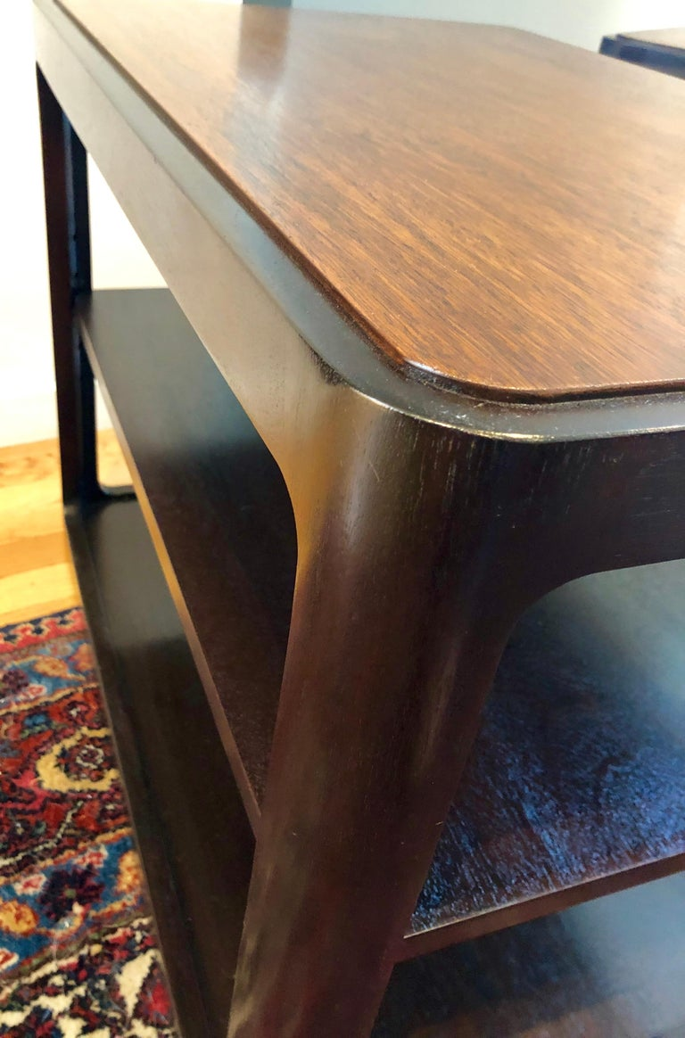 Mid-20th Century Nice Pair of Dunbar Side Tables by Edward Wormley For Sale