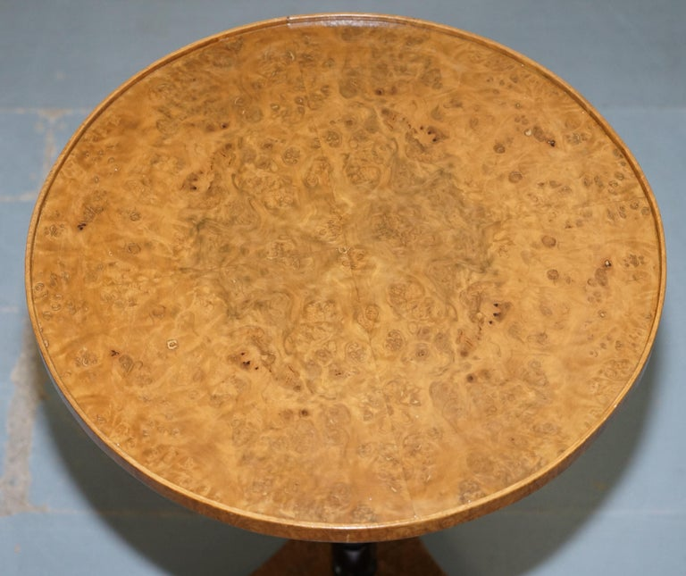 Nice Pair of Restored Biedermeier Burr Walnut Side End Lamp Wine Tables Ebonized In Good Condition For Sale In London, GB