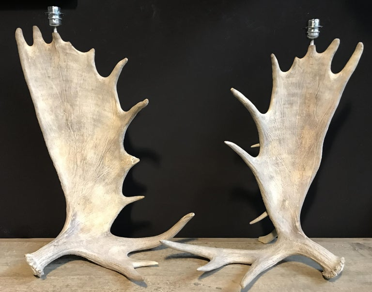 Contemporary Nice Pair of Table Lamps Made of Canadian Moose Antlers For Sale
