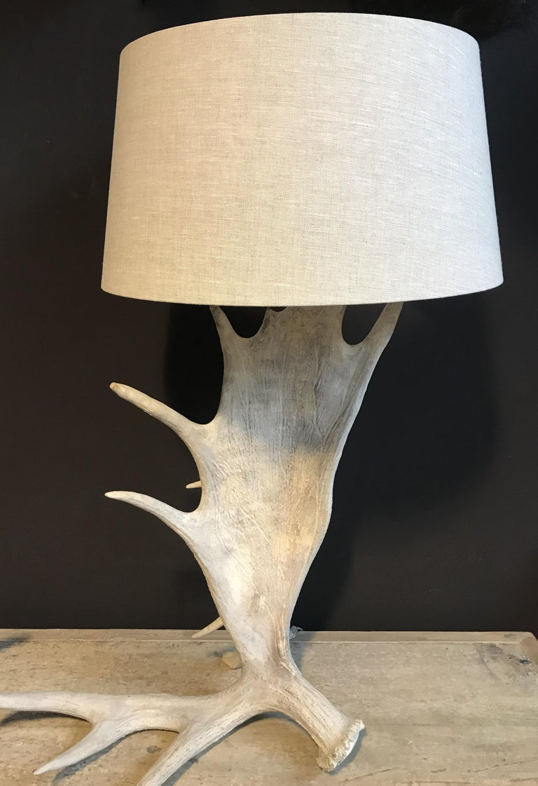 Nice Pair of Table Lamps Made of Canadian Moose Antlers For Sale 2