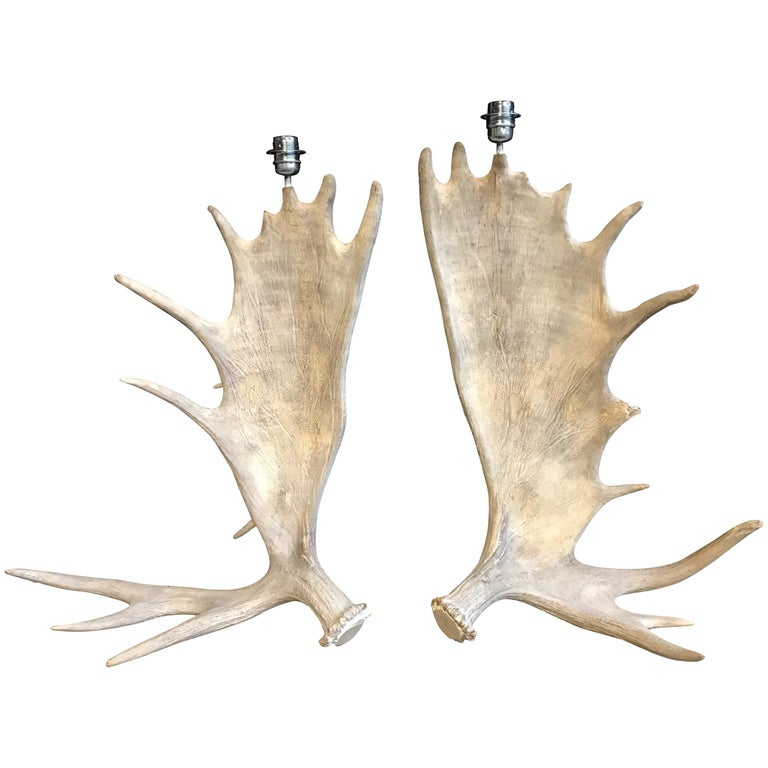 Nice Pair of Table Lamps Made of Canadian Moose Antlers For Sale