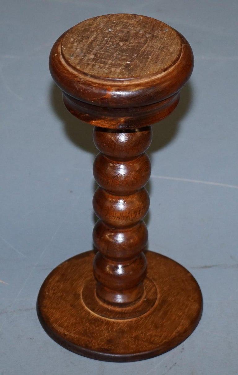 Nice Small Chunky Victorian Walnut Bobbin Turned Pillar Side End Lamp Wine Table For Sale 1