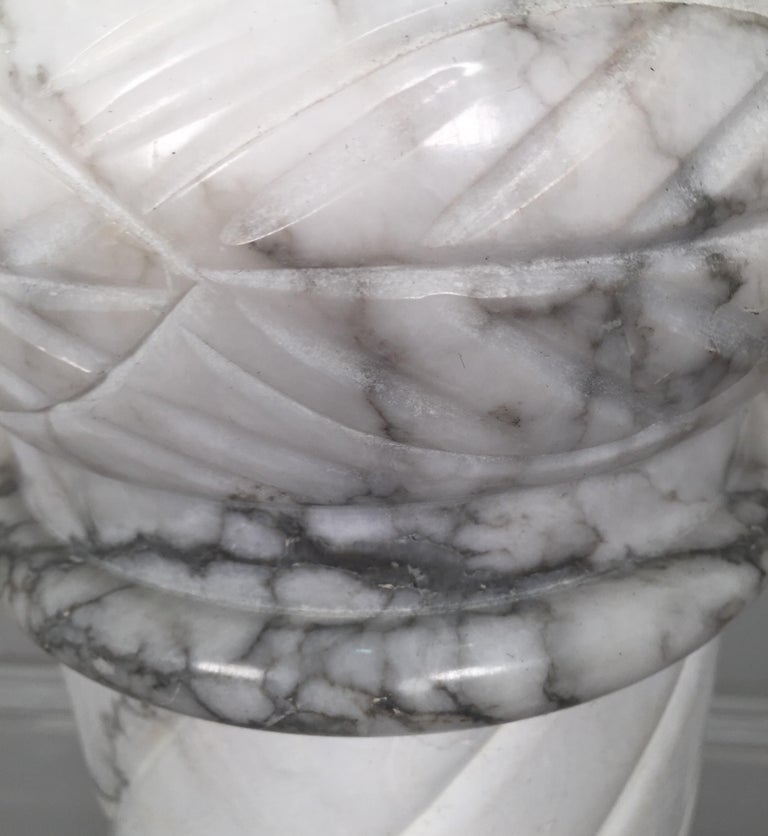 Nice White Italian Marble Pedestal Made in Italy, circa 1910-1920 For Sale 4
