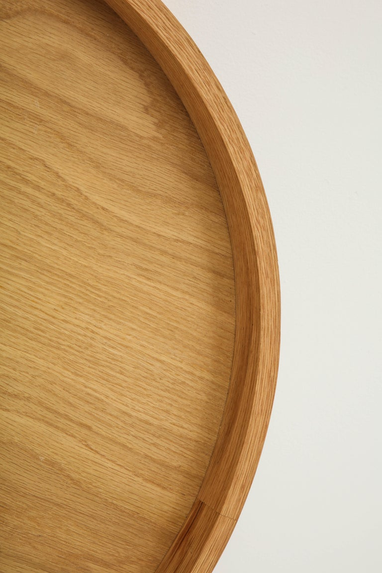 Round Oak Tray In Excellent Condition For Sale In Los Angeles, CA