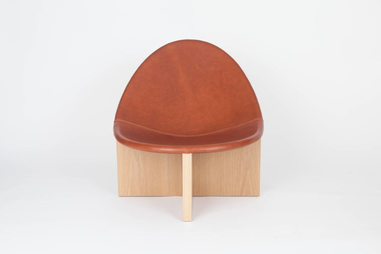 American NIDO Modern Lounge Chair in Solid Maple & Cognac Leather by Estudio Persona For Sale