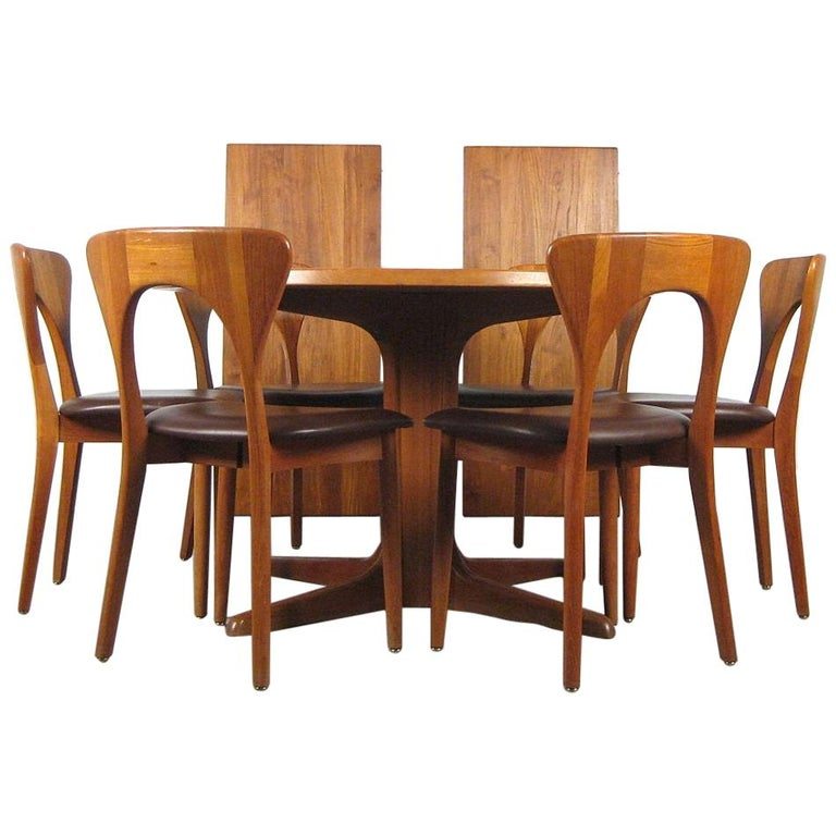 Niels Kofoed, 6 Chairs and Dining Table, Model Peter, Teak, Brown Leather For Sale