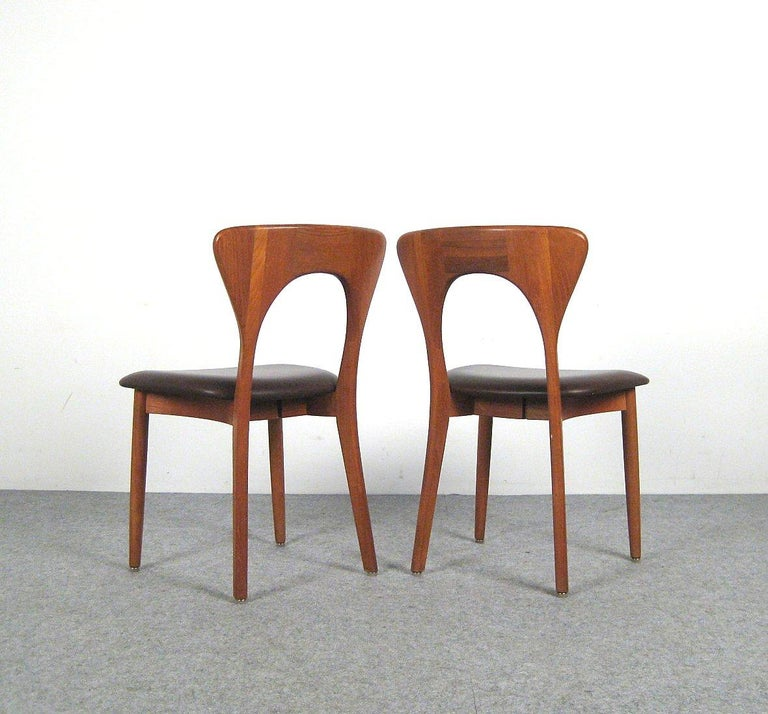 Niels Kofoed, 6 Chairs and Dining Table, Model Peter, Teak, Brown Leather For Sale 8