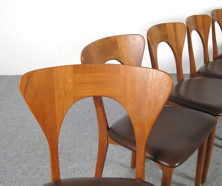Niels Kofoed, 6 Chairs and Dining Table, Model Peter, Teak, Brown Leather For Sale 10