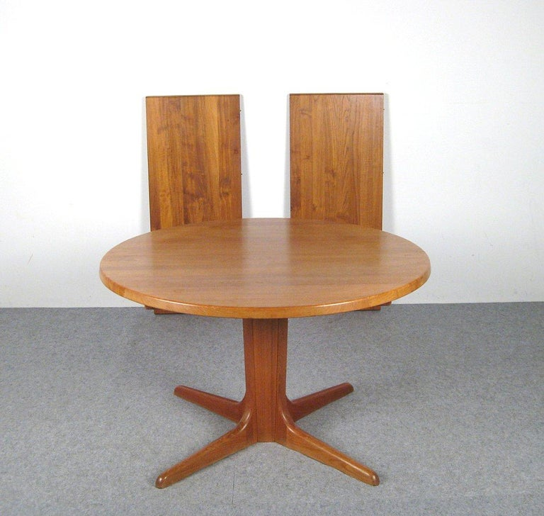Niels Kofoed, 6 Chairs and Dining Table, Model Peter, Teak, Brown Leather For Sale 12