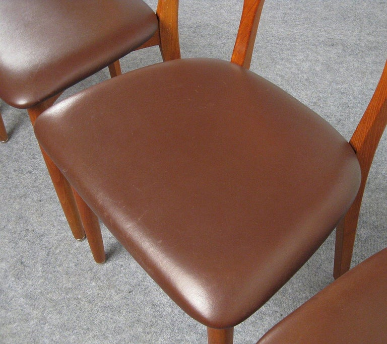 Niels Kofoed, 6 Chairs and Dining Table, Model Peter, Teak, Brown Leather For Sale 2