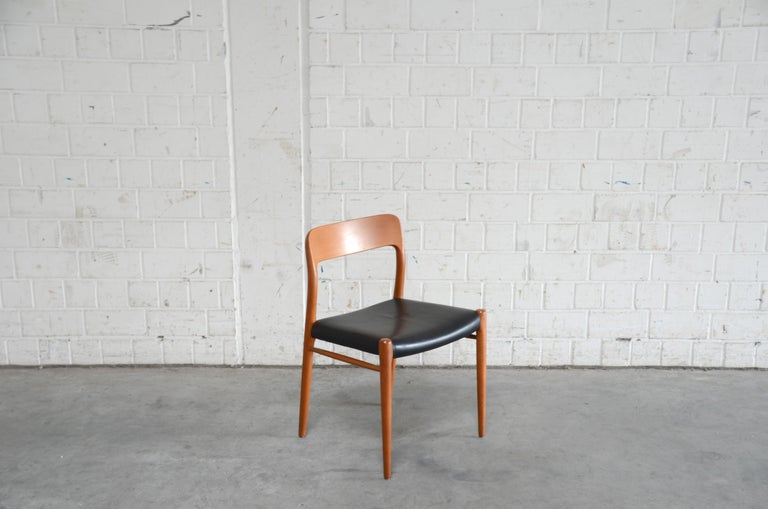 Niels Möller Modell 75 Danish Teak Dining Leather Chair for J.L. Möllers In Good Condition In Munich, Bavaria