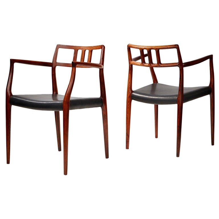 Niels Moller Pair of Rosewood Model 64 Chairs For Sale